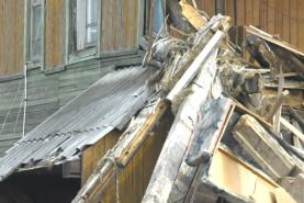 В Хабаровске приступили к сносу здания на улице Волочаевской