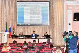 Расселение бараков на проспекте 60-летия Октября обсудили в Хабаровске